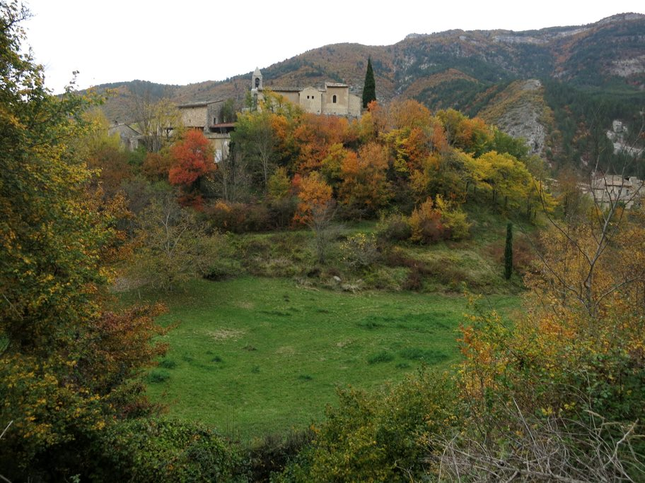 Village perché de St-Benoît-en-Diois